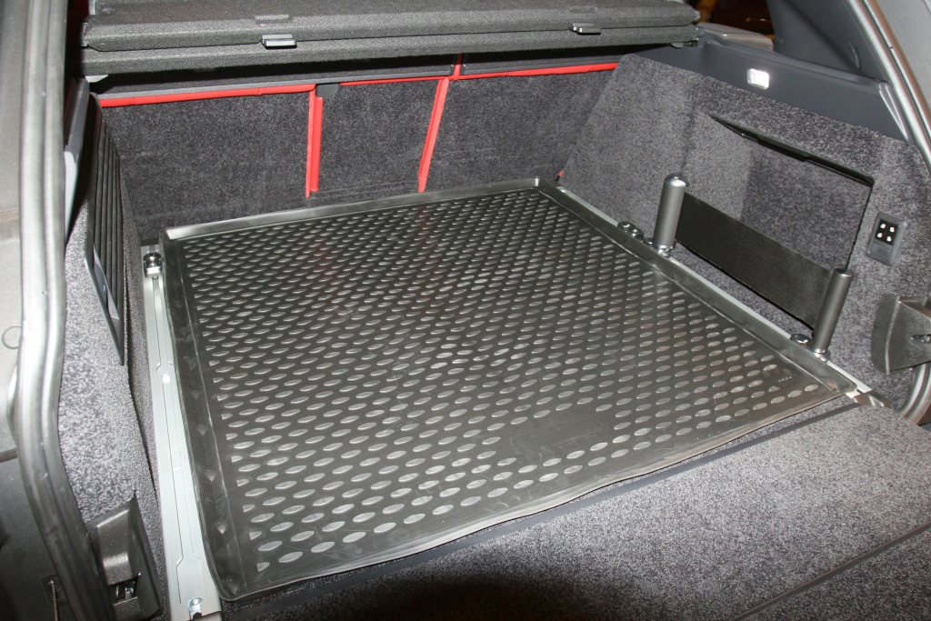 Land Rover Range Rover 2015-Present SUV (without trunk rails) TPE Boot Liner