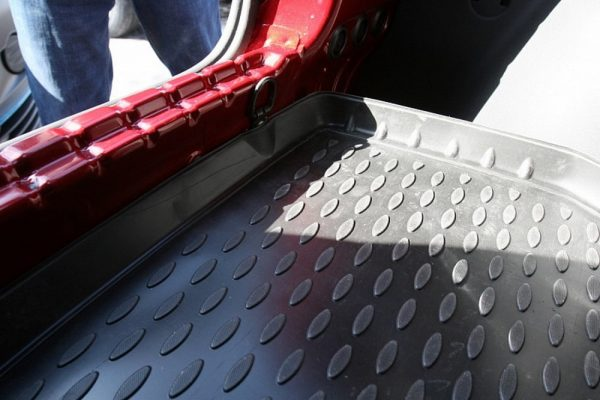 Renault Duster 2WD 2013-2017 TPE Boot Liner