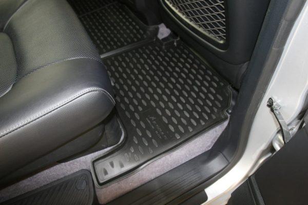 Toyota Land Cruiser 200 VX 2007-Present Floor Liners (BLACK)
