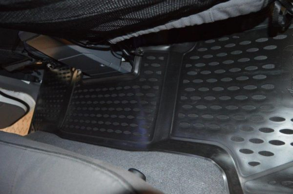 Toyota Land Cruiser 76 Station Wagon TPE Floor Liners