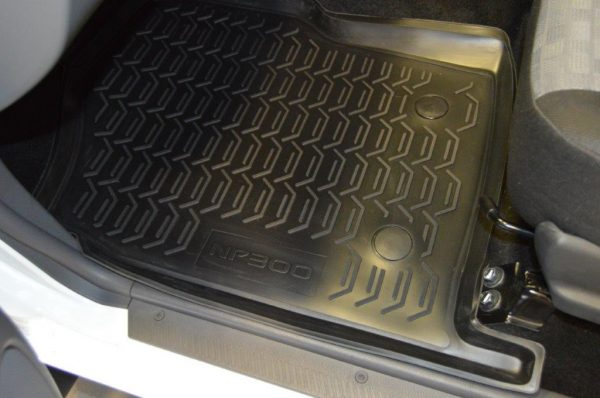 Nissan NP300 D/C 1997-Present TPE Floor Liners