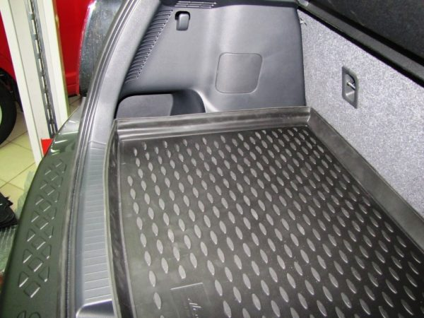 Suzuki SX4 2010-2014 Hatchback Top TPE Boot Liner